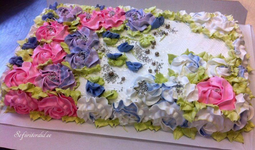 Sefiiritortide igas tordis väljendub esteetika ja romantika